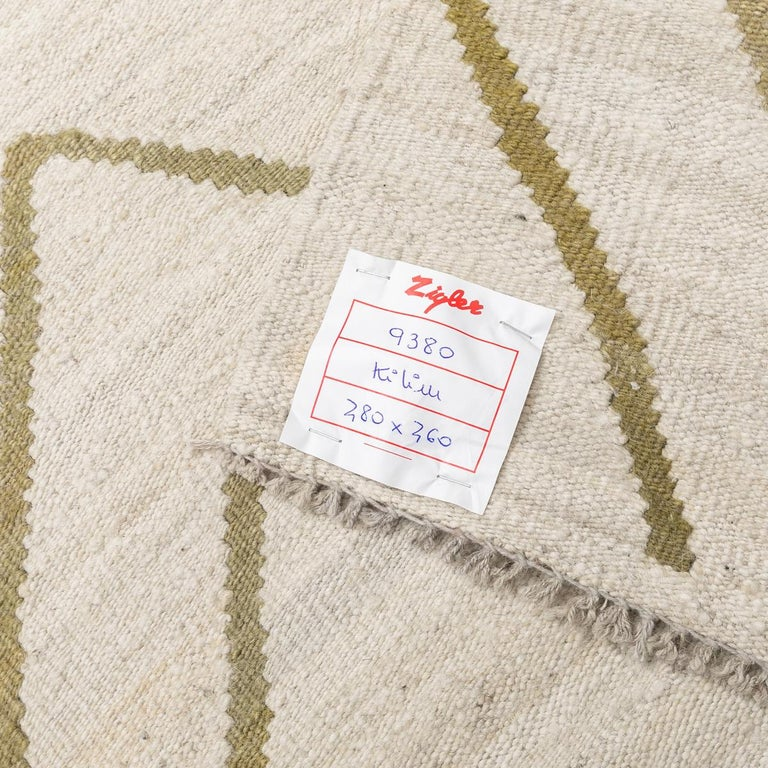 Contemporary Kilim, Bereber Design over Wool with Rhombus Symmetries For Sale 10