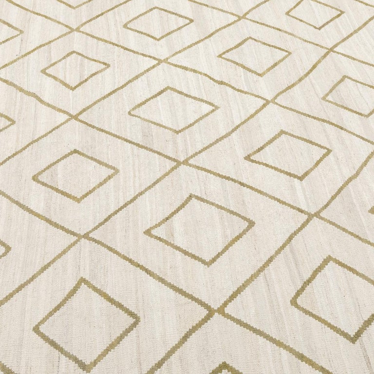 Contemporary Kilim, Bereber Design over Wool with Rhombus Symmetries In New Condition For Sale In MADRID, ES