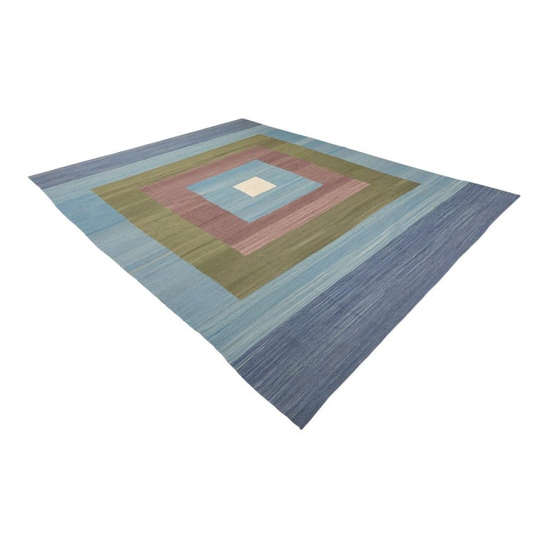 Contemporary Kilim was at hand in the craft workshops that the Zigler firm has in Pakistan. - Having no borders this type of pieces will focus perfectly on a decorative environment. - They are modern and will bring a touch of elegance and design