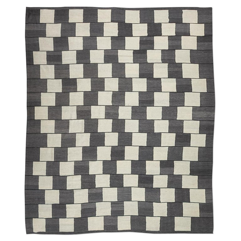 Contemporary Kilim, Geometric Design With Gray And Earth