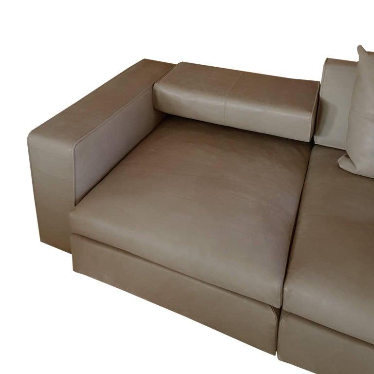 Italian Contemporary Natural Leather Large Molteni Sofa with Double Dept In Excellent Condition For Sale In Mornico al Serio ( BG), Lombardia