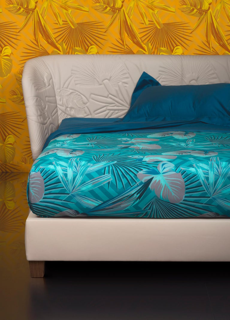 Italian Contemporary Leather Bed, Handmade in Italy, Customizable For Sale