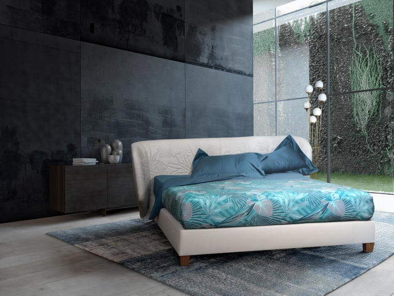 Modern Contemporary Leather Bed, Handmade in Italy, Customizable For Sale
