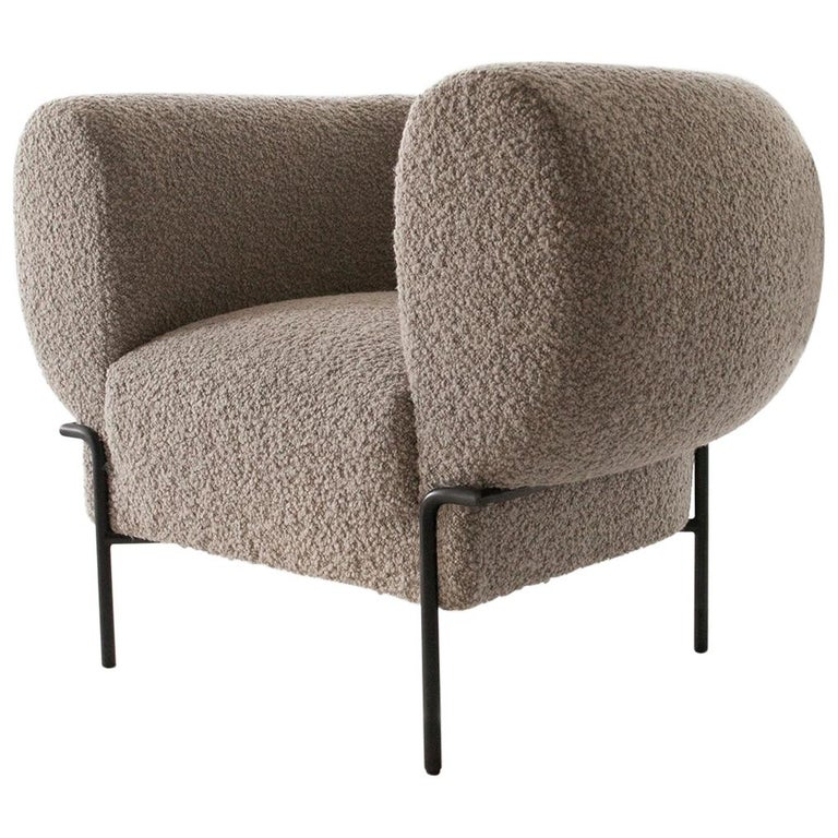 Contemporary Madda Lounge Chair in Boucle For Sale