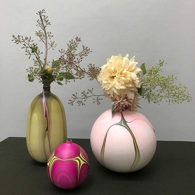 Contemporary Marbled Rio Grande Vase in Fuchsia by Elyse Graham In New Condition For Sale In Los Angeles, CA