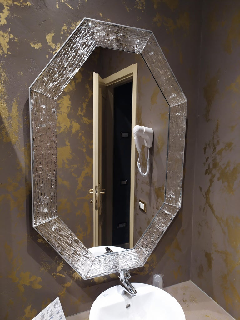 Contemporary Mirror, in Murano Glass Silvering Frame, Handcrafted, Made in Italy For Sale 4