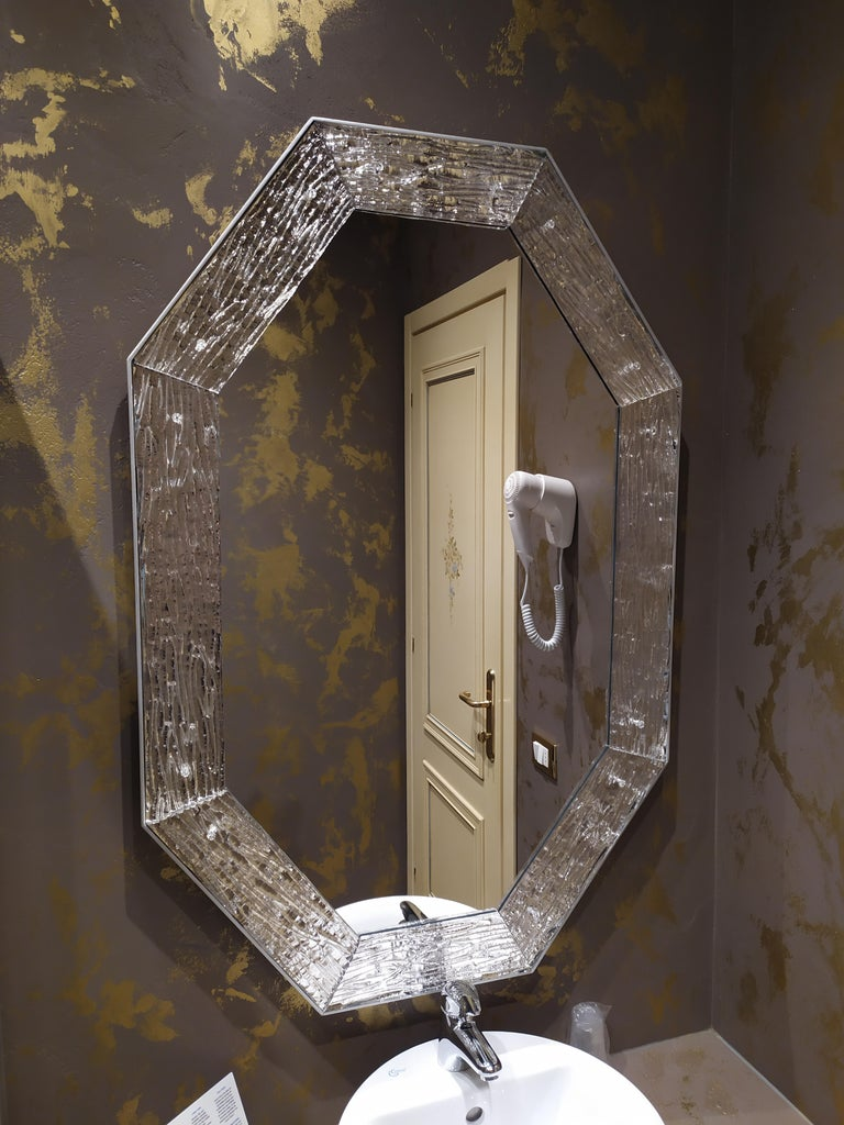 Italian Contemporary Mirror, in Murano Glass Silvering Frame, Handcrafted, Made in Italy For Sale