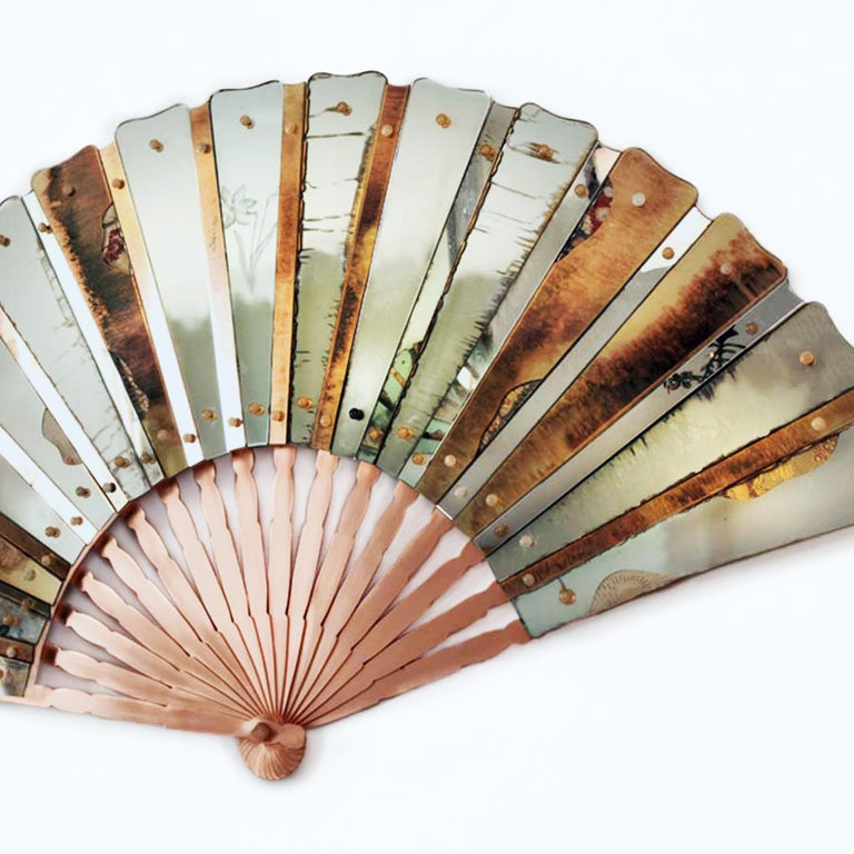 Italian Contemporary Mirror, Three-Dimensional Wall Fan, Silvered Glass Slabs, brass  For Sale