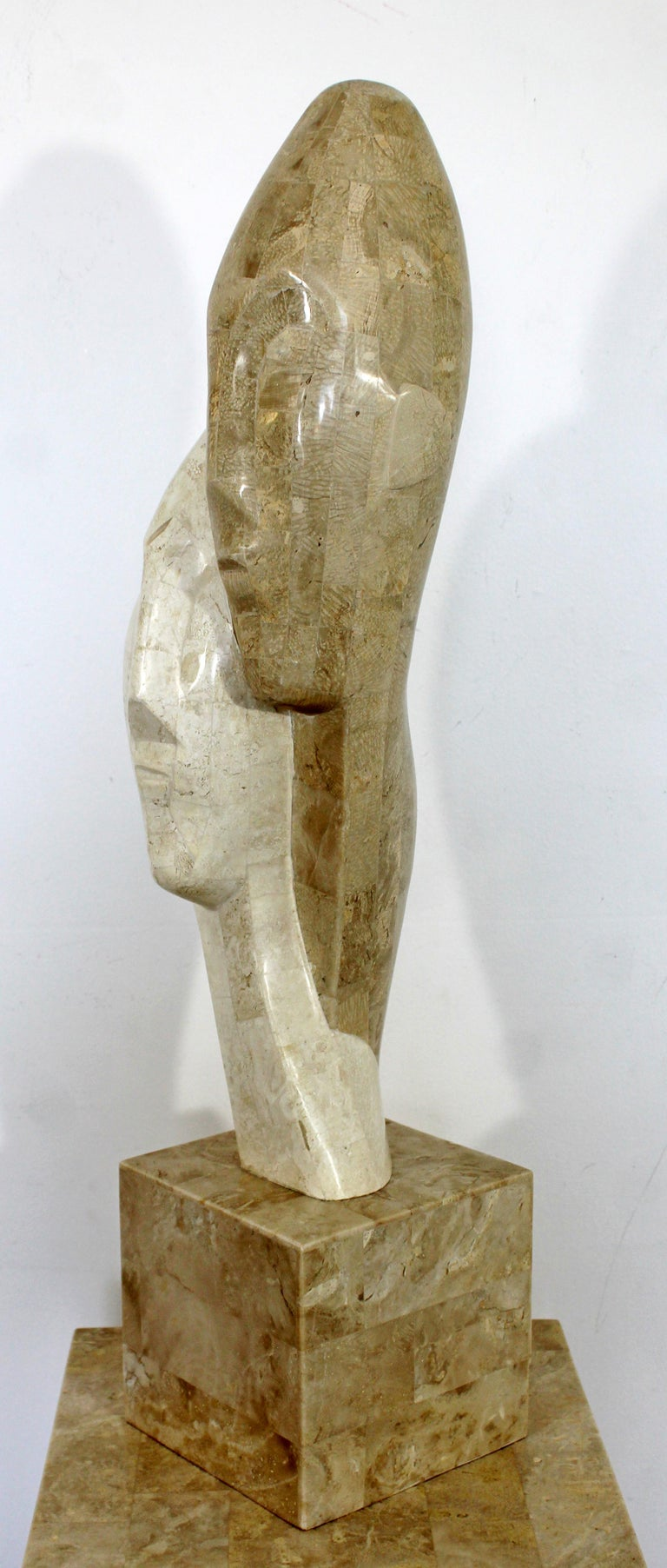 Contemporary Modern Composite Faux Marble Sculpture on Pedestal Austin Prod Era In Good Condition For Sale In Keego Harbor, MI