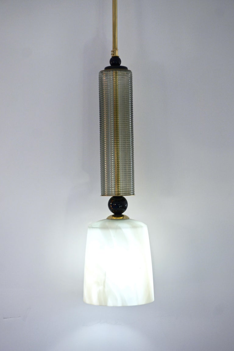 Organic Modern Contemporary Modern Crystal Black and Alabaster Murano Glass Brass Pendant Light For Sale