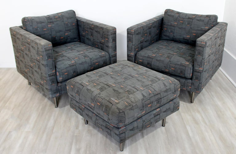 Contemporary Modern Custom Pair of Cube Club Lounge Armchairs and Ottoman, 1980s In Good Condition For Sale In Keego Harbor, MI