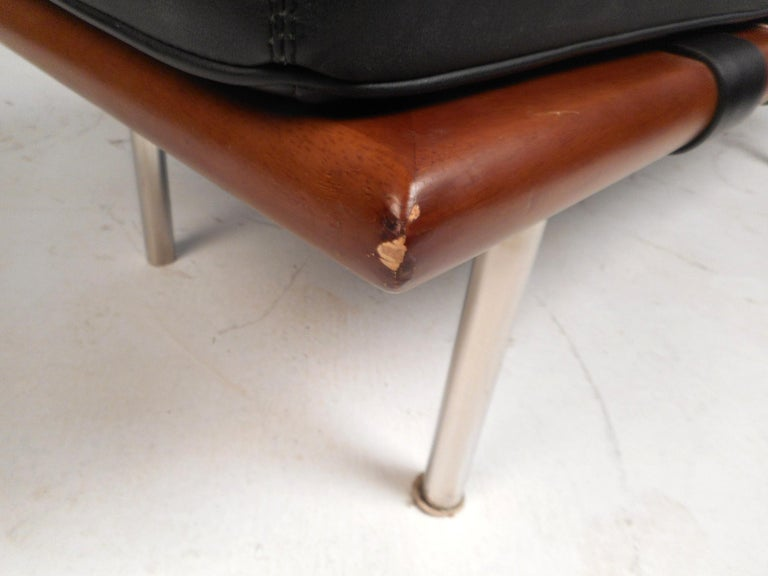 Contemporary Modern Leather Bench For Sale 4