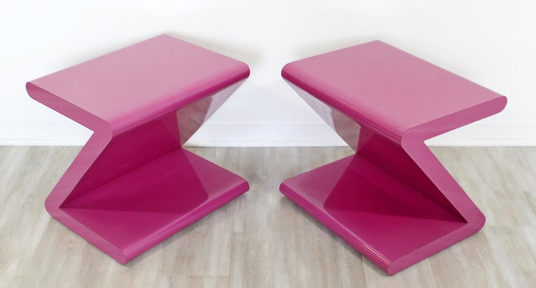 Contemporary Modern Pair of Acrylic Z-Shaped Side End Tables 1980s Pink For Sale 4