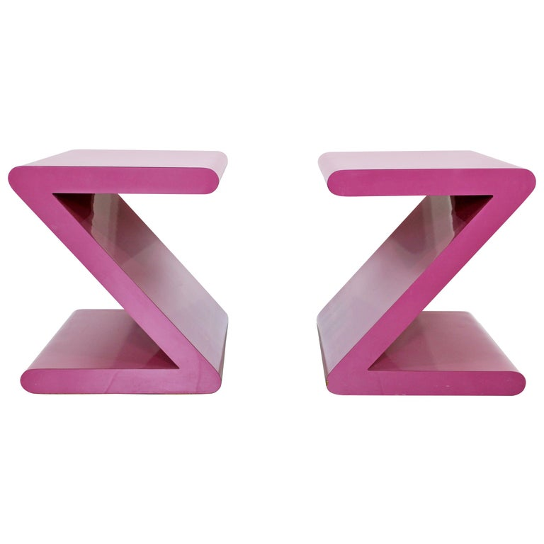 Contemporary Modern Pair of Acrylic Z-Shaped Side End Tables 1980s Pink For Sale