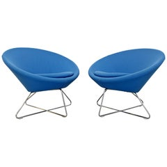 Contemporary Modernist Allermuir Pair of Blue Lounge Accent Chairs Chrome Bases