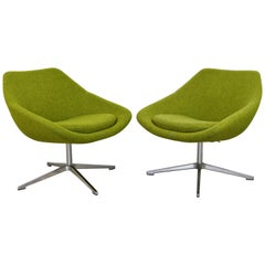 Contemporary Modernist Allermuir Pair of Swivel Lounge Chairs on Chrome Bases