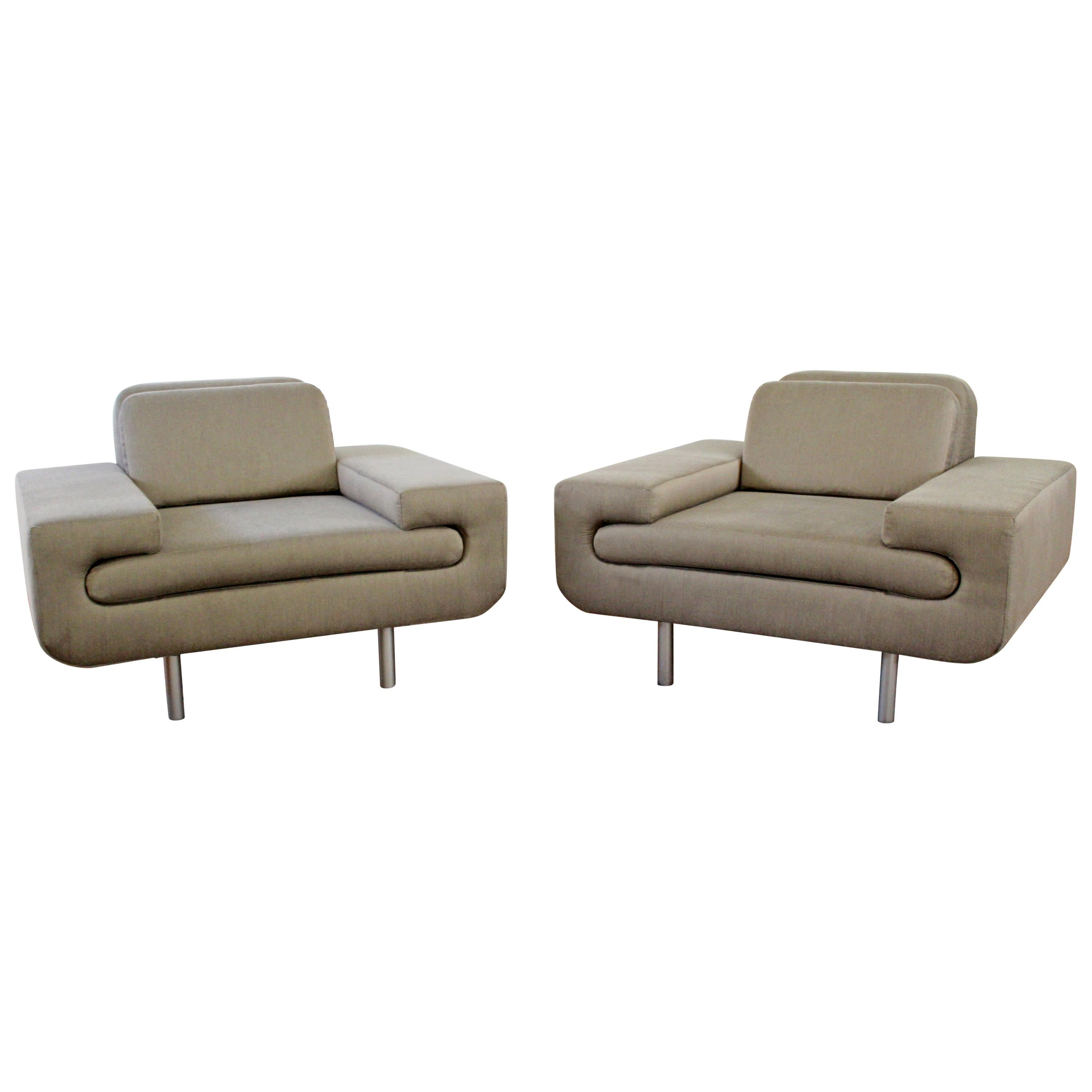 Contemporary Modernist Pair of Sculptural Lounge Chairs by Weiman Preview
