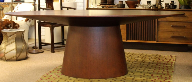Contemporary Modernist Sullivan Oval Wood Dining Table 1990s In Good Condition In Keego Harbor, MI