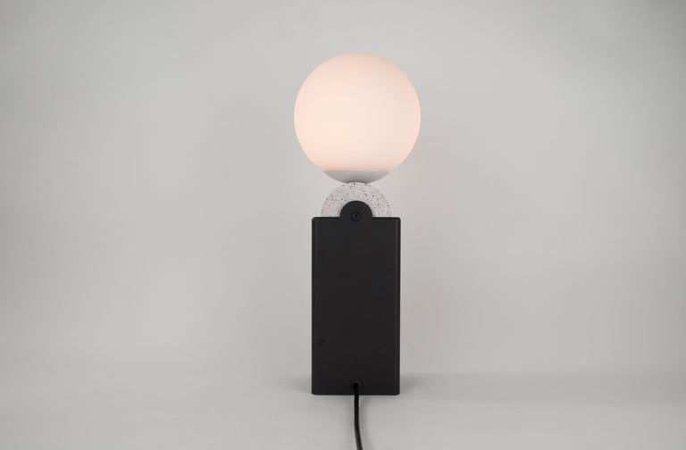 Frosted Contemporary Monument Lamp Circle V2 in Jesmonite, Steel and Glass For Sale