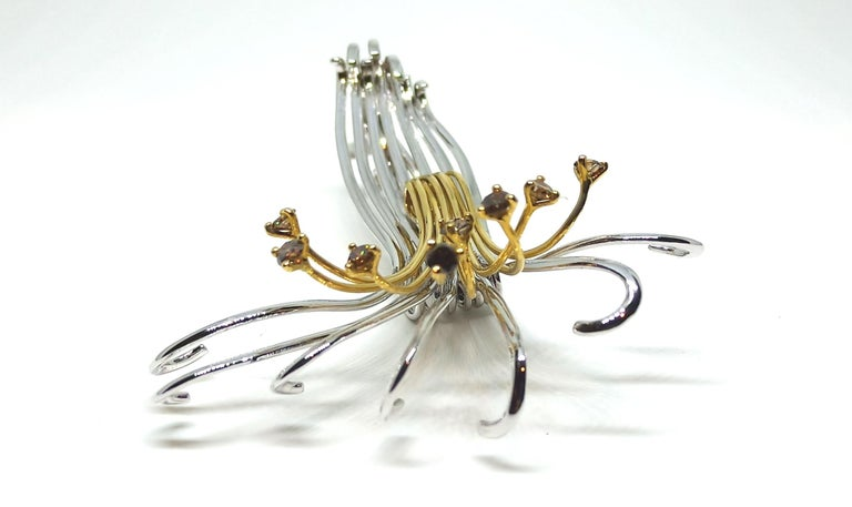 Contemporary One of a Kind Brown Diamond 18 Karat White Yellow Gold Brooch For Sale 3