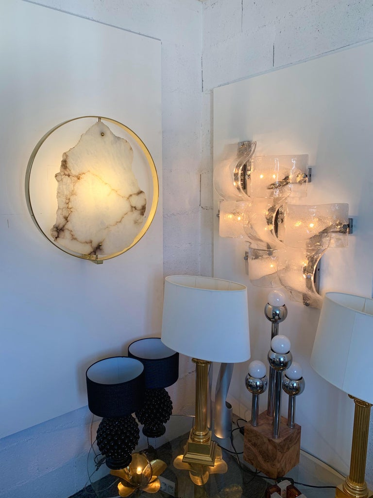 Contemporary Pair of Alabaster Circle Brass Sconces, Italy For Sale 6