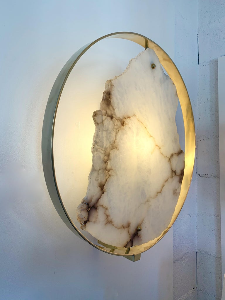 Contemporary Pair of Alabaster Circle Brass Sconces, Italy For Sale 4