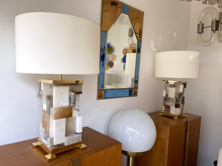 Contemporary Pair of Alabaster Gilt Metal Cubismi Lamps by Cagianelli, Italy For Sale 5