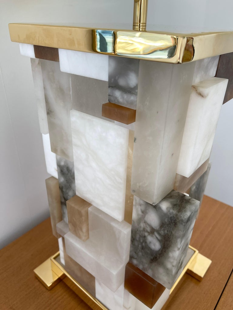 Contemporary Pair of Alabaster Gilt Metal Cubismi Lamps by Cagianelli, Italy For Sale 7