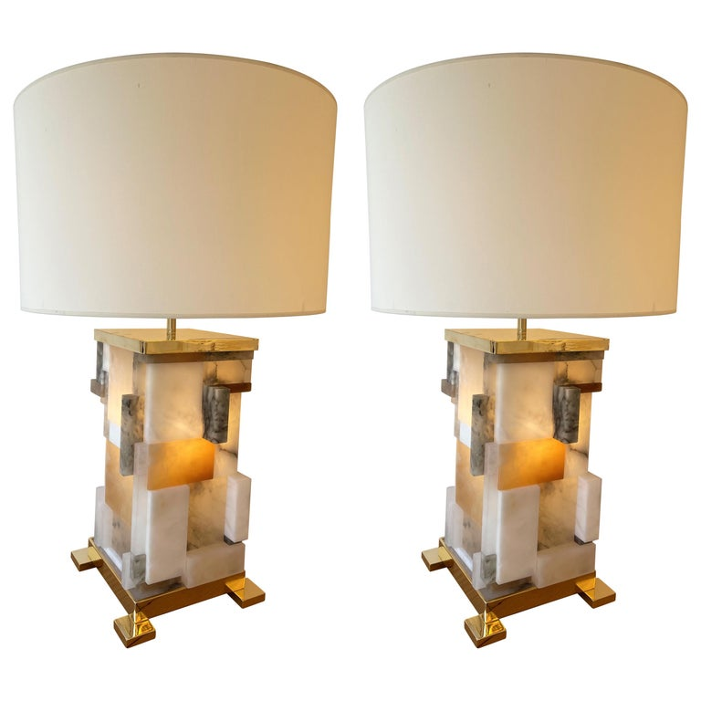 Contemporary Pair of Alabaster Gilt Metal Cubismi Lamps by Cagianelli, Italy For Sale