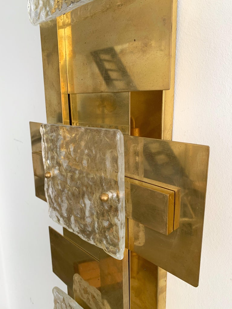 Contemporary Pair of Brass Sconces Geometrical Murano Glass, Italy In New Condition For Sale In SAINT-OUEN, FR