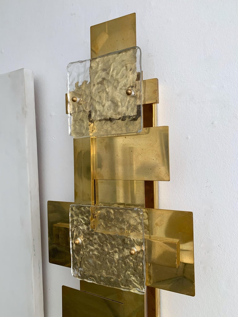 Contemporary Pair of Brass Sconces Geometrical Murano Glass, Italy For Sale 2