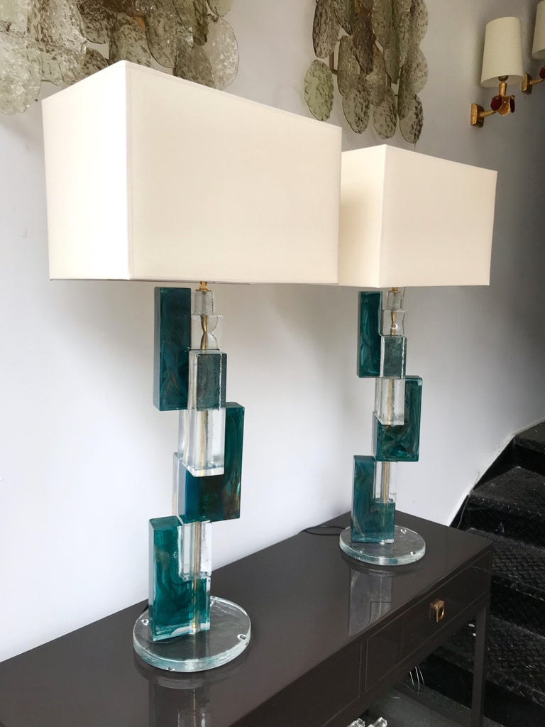 Contemporary Pair of Lamps Cubic Murano Glass and Brass For Sale 7