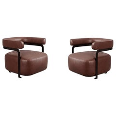 Contemporary Pair of U-Shaped Lounge Chairs in Lacquered Iron Frame