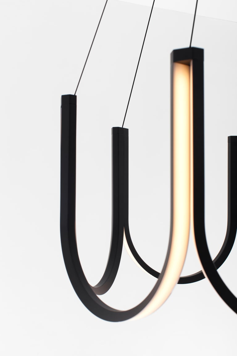 U7 pendant lamp - Black  Maximal wire length: 250 cm Canopy: 33 cm diameter 'U' structure: 38 x 75 x 75 cm  Certification: UL & C.UL.  Dimming: remote control. Driver: input 100-240V / output 24V. Light source: LED. Energy consumption: