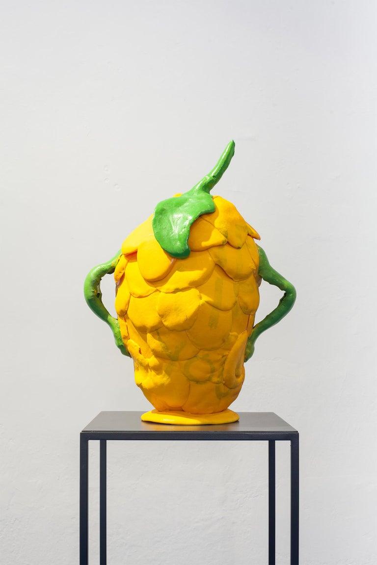 Zeitgenössische gelbe Vase, Polyurethanschaum 2