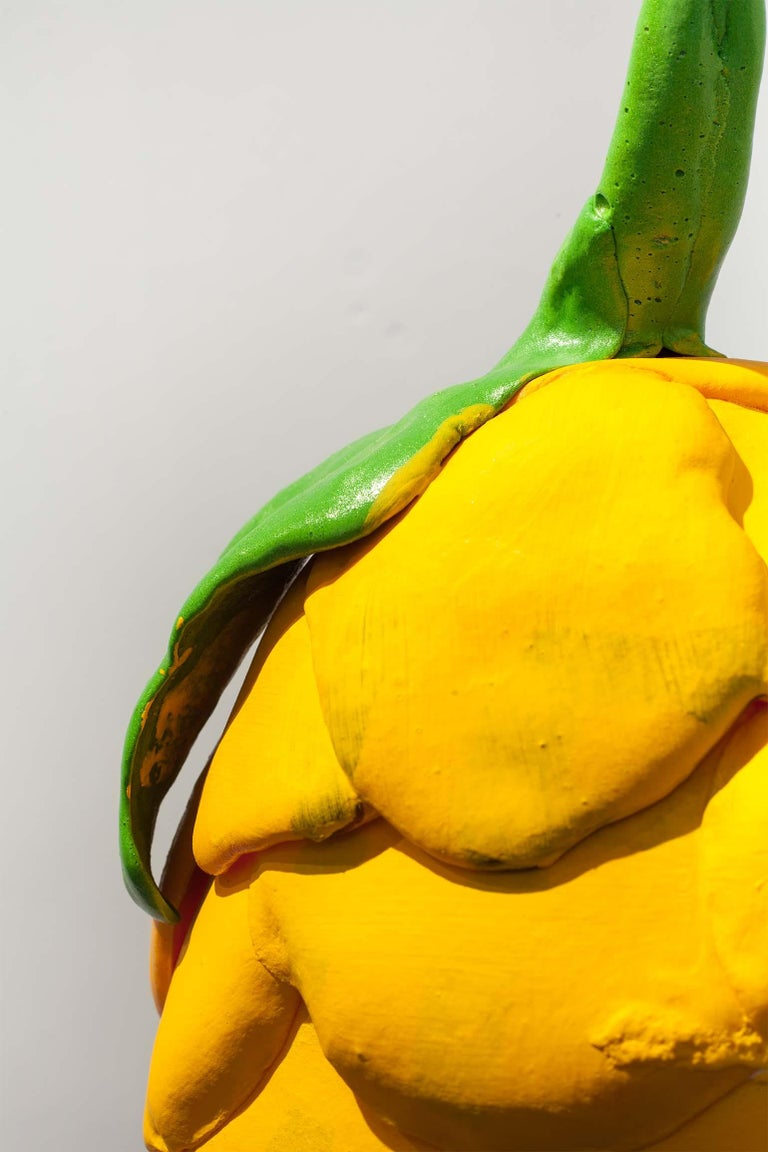 Zeitgenössische gelbe Vase, Polyurethanschaum 3