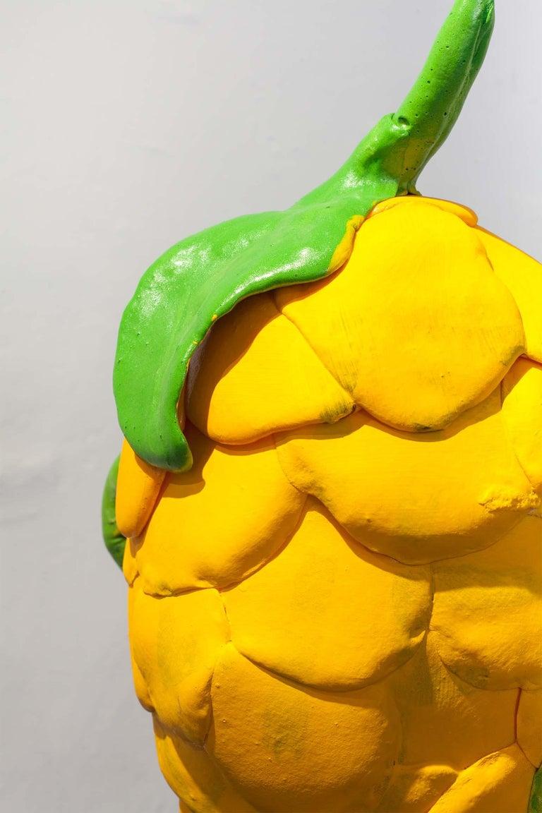 Zeitgenössische gelbe Vase, Polyurethanschaum 4
