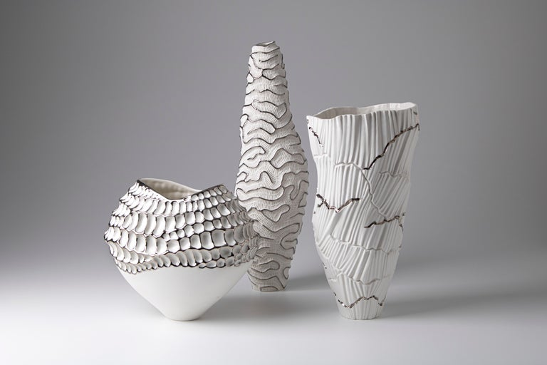 Contemporary Porcelain Vase Platinum Nature Texture White Ceramic Italy Fos In New Condition For Sale In Faenza, IT