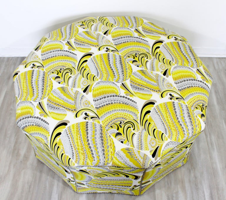 Contemporary Postmodern Swaim Studded Upholstered Large Ottoman Foot Stool Seat In Good Condition For Sale In Keego Harbor, MI