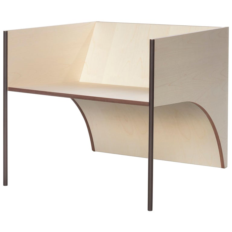 Contemporary QD01 Chair with Maple Wood and Brass Bronzed Structure For Sale