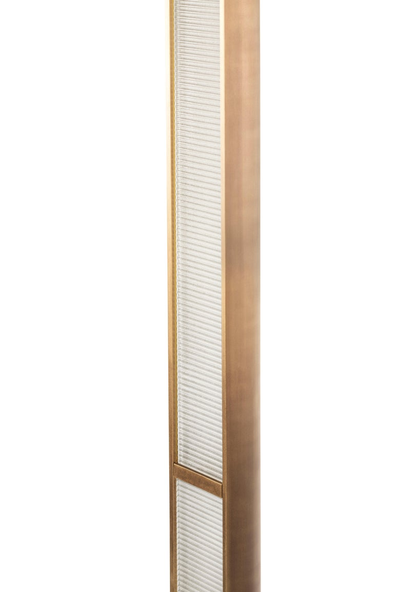 Contemporary QD22 Floor Lamp with Brass and Ribbed Glass 4