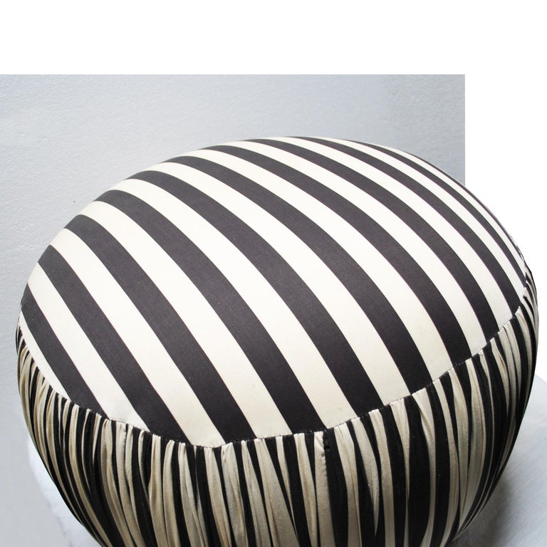 20th Century Contemporary Round Black And White Pouf Ottoman For Sale