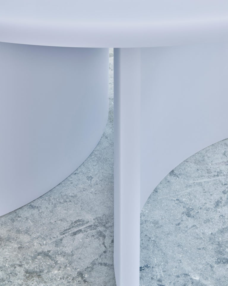 Contemporary Round Dining Table by Sabine Marcelis, Matte Resin, Ice Lavender For Sale 1