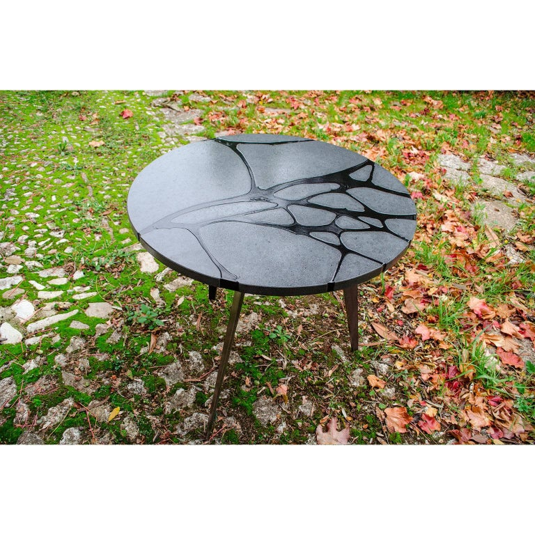 Contemporary Round Outdoor Table in Lava Stone and Steel, Filodifumo For Sale 2