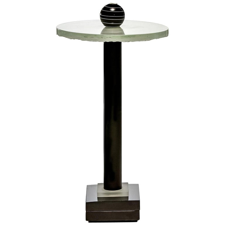 Contemporary Round Side and Coffee Tables Murano Glass Black and White For Sale