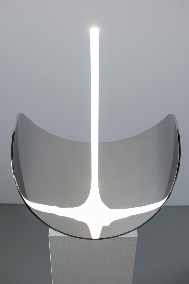 Dutch Contemporary Sculptural Table Lamp and Mirror 'Elusive 09' For Sale