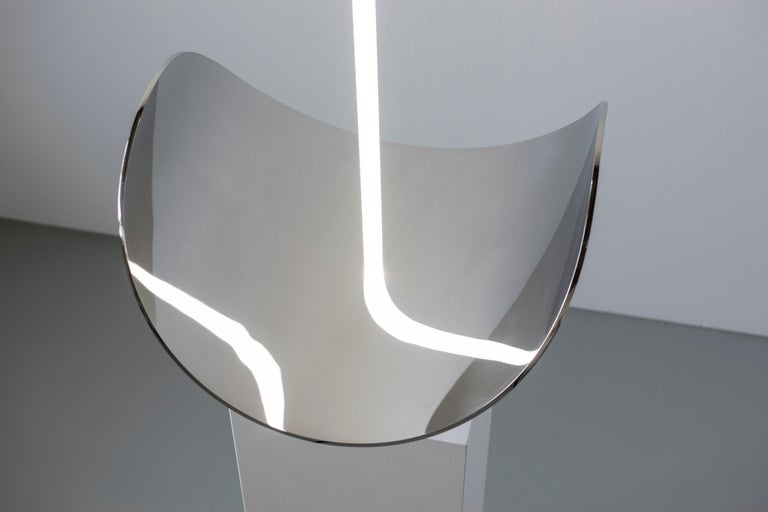 Contemporary Sculptural Table Lamp and Mirror 'Elusive 09' In New Condition For Sale In Paris, FR