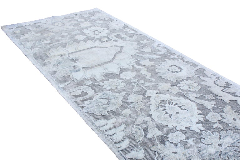 Indian Contemporary Silver Gray Wool and Silk Rug For Sale