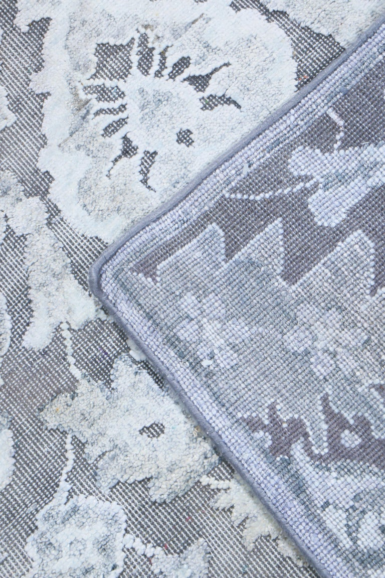 Contemporary Silver Gray Wool and Silk Rug For Sale 1