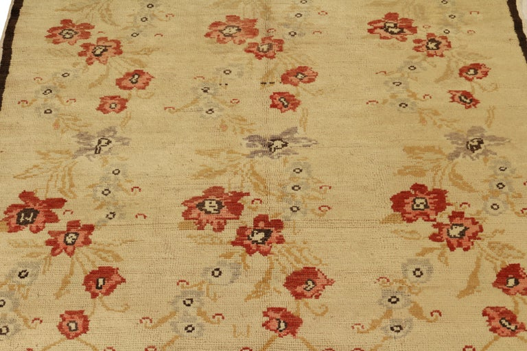 Hand-Knotted Contemporary Sparta Rug Beige Red Floral Pattern For Sale